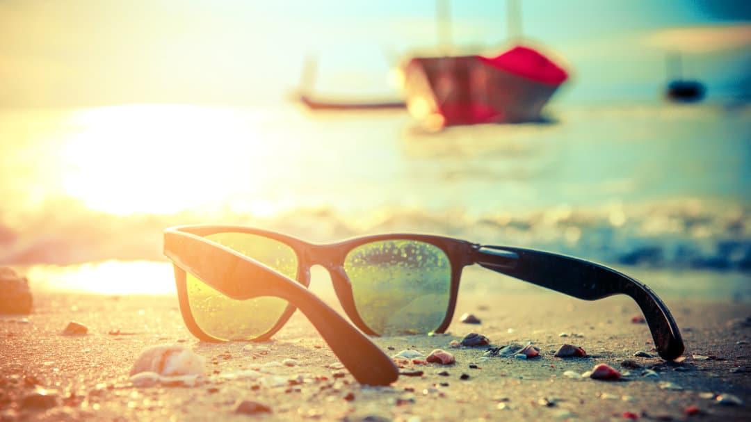 Am-Stand-ist-eine-gute-Sonnenbrille-besonders-wichtig