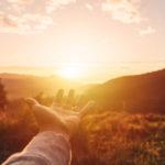 Sonnenlicht aktiviert die Produktion von Vitamin D im Körper.