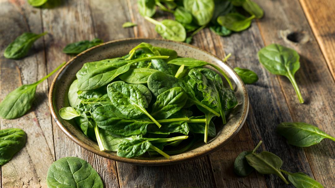 Spinat ist ein pflanzliches Lebensmittel mit einem hohen Anteil Alpha-Liponsäure.